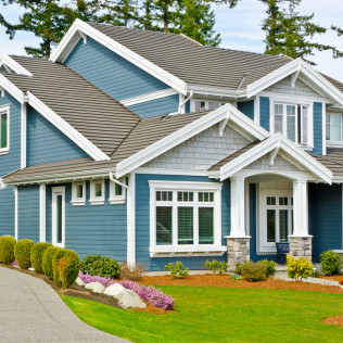 Choose the right type of siding for your home. We work with a variety of materials including vinyl siding.